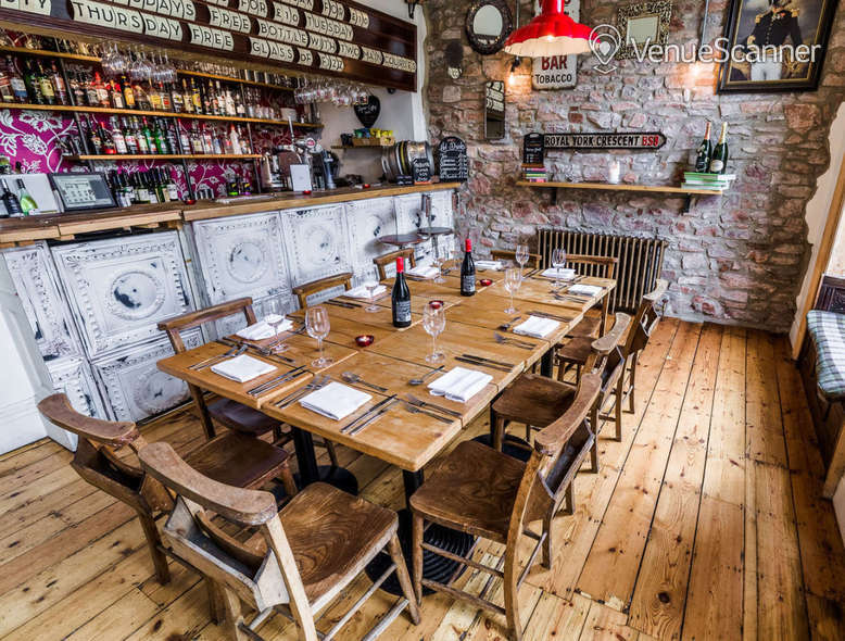 Hire  No.4 Clifton Village The Galley 3