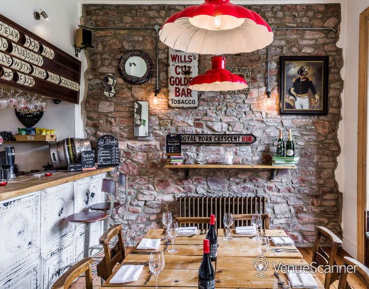 Hire  No.4 Clifton Village The Galley 4