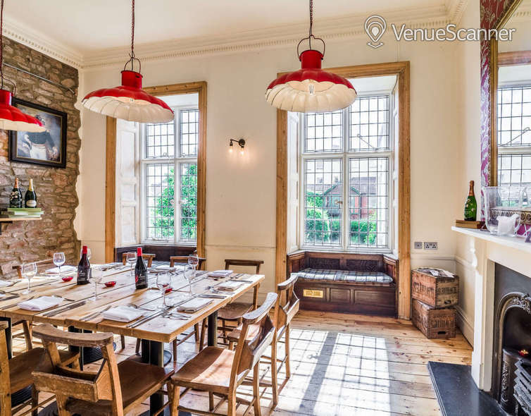 Hire  No.4 Clifton Village The Galley 7
