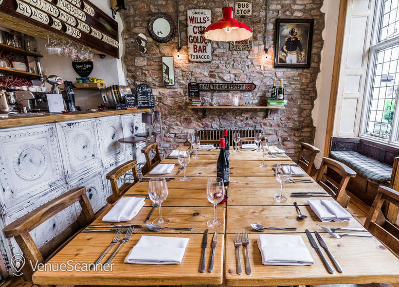 Hire  No.4 Clifton Village The Galley