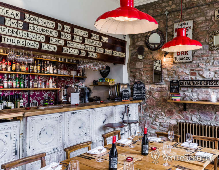 Hire  No.4 Clifton Village The Galley 2