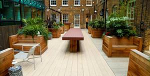 Wimpole Street, Lounge + Courtyard