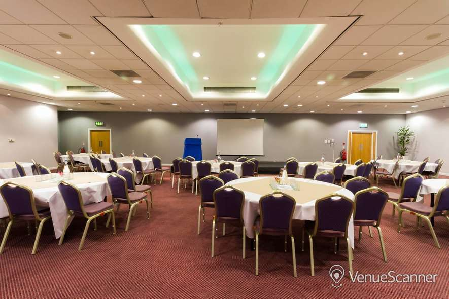 Hire Holiday Inn Liverpool City Centre Liverpool One Suite 1
