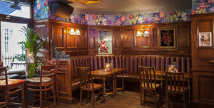 Grand Union Chancery Lane, The Snug