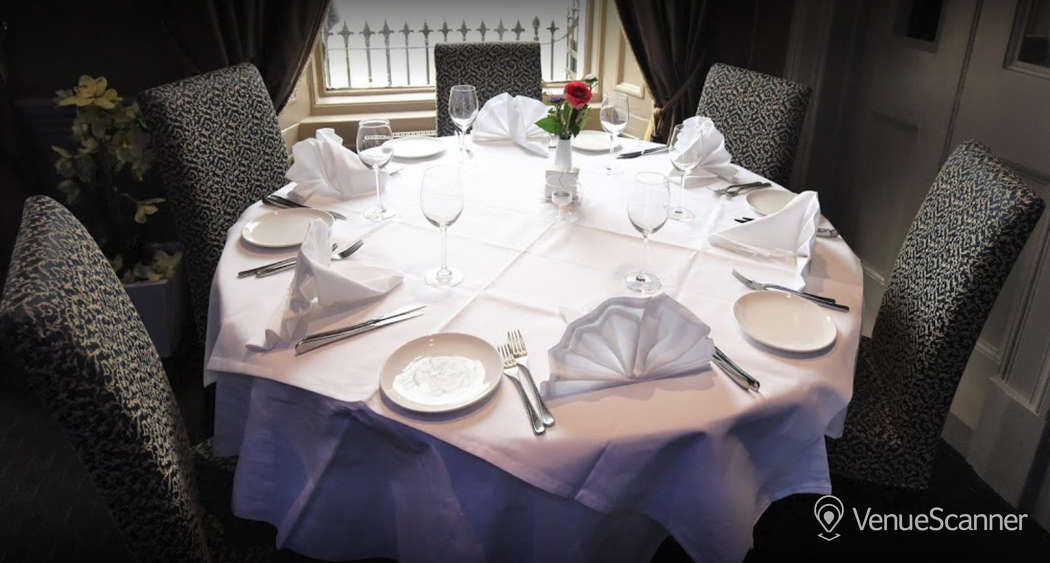 Hire Mumbai Diners' Club Restaurant Private Dining Room 1