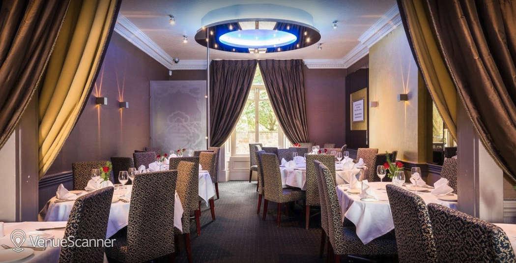 Hire Mumbai Diners' Club Restaurant Main Lounge 21