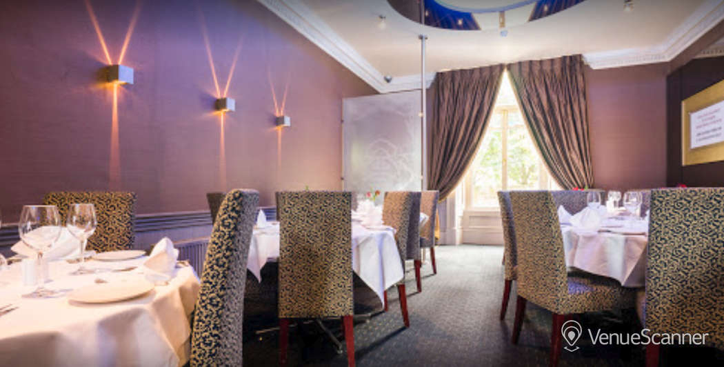 Hire Mumbai Diners' Club Restaurant Private Dining Room