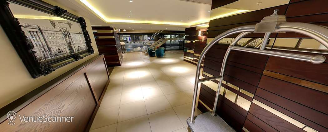 Hire  Hilton London Olympia Tower 5