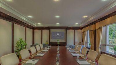 The Glenroyal Hotel, Oval Room