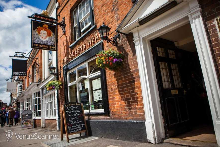 Hire The Queen's Head Exclusive Hire 4