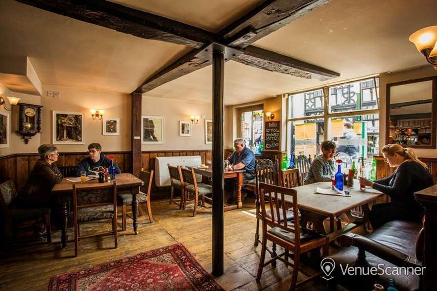 Hire The Queen's Head Exclusive Hire 2