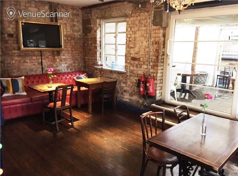Hire The Carpenters Arms The Belle Bar And Terrace 5
