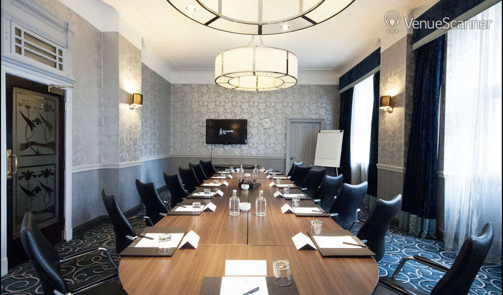 Hire Grand Central Hotel Erskine