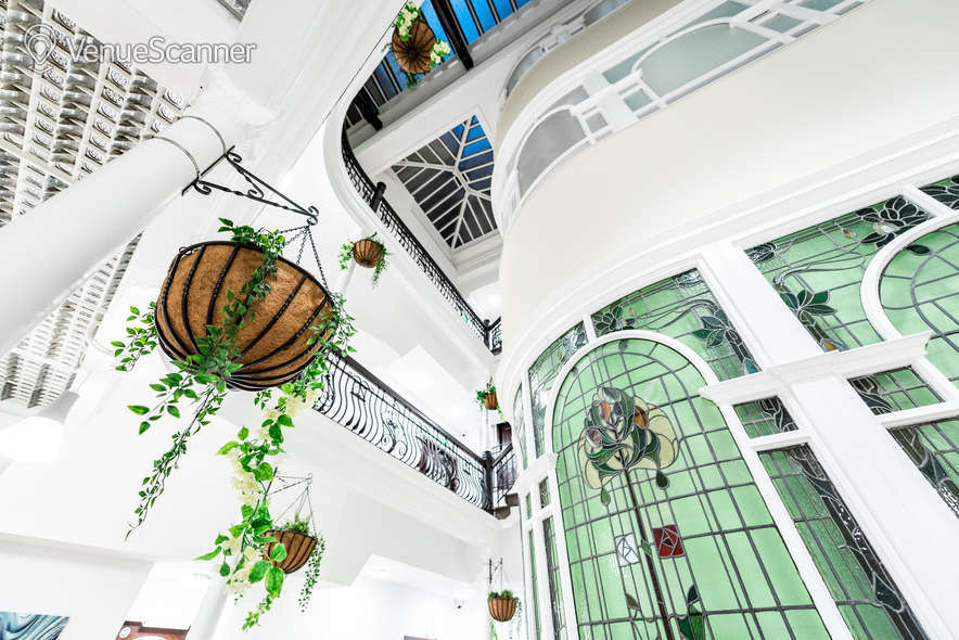 Hire Fm Living - Aparthotel The Atrium 4