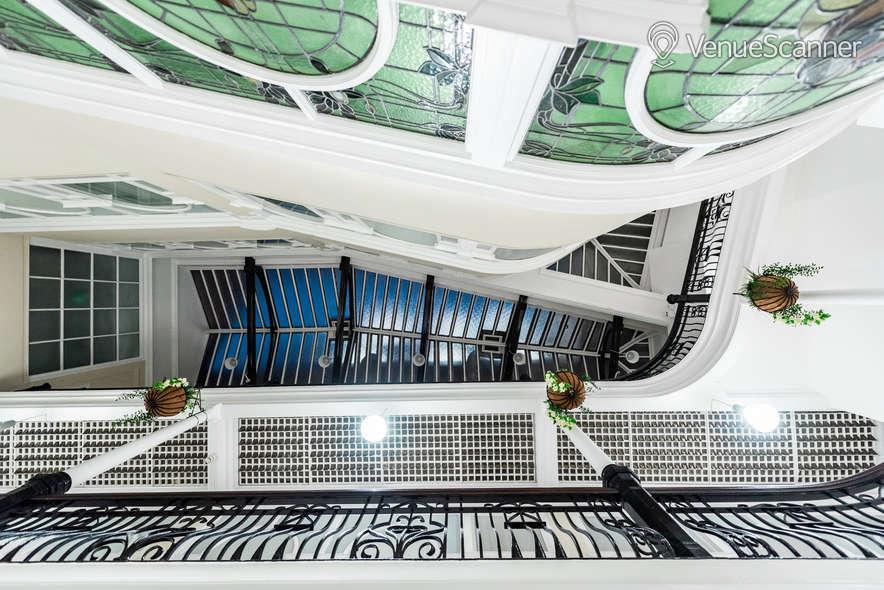 Hire Fm Living - Aparthotel The Atrium 1
