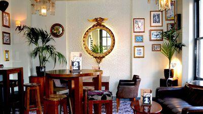 Buffalo Bar, The Bar & Lounge