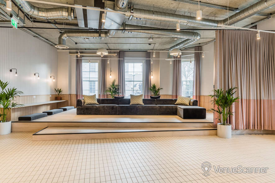 Hire Thomas House Lounge/bar/terrace 4