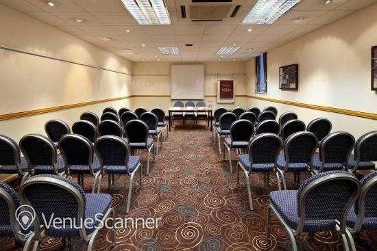 Hire Mercure Glasgow City Hotel Banker Suite 4