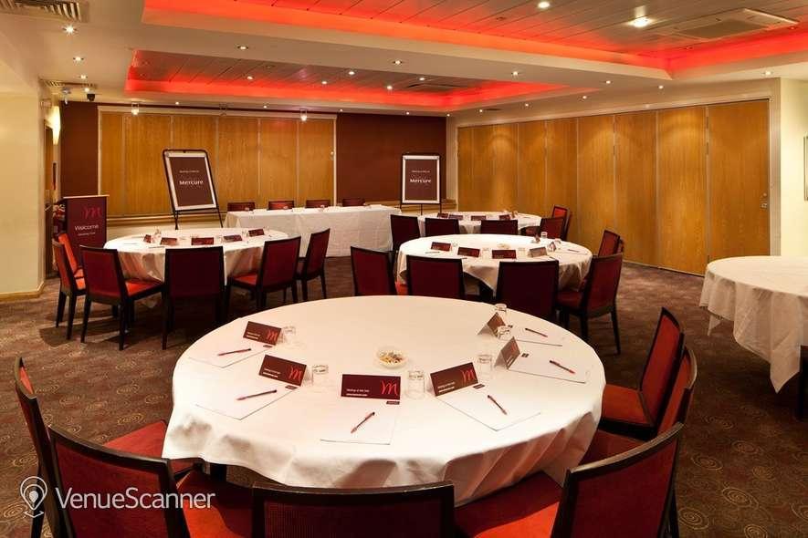 Hire Mercure Glasgow City Hotel Banker Suite 5
