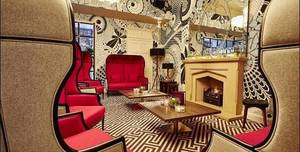 Tigerlily, Sitting Room