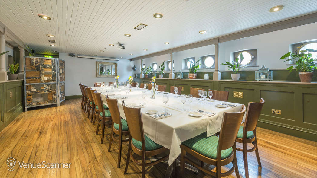 Hire Glassboat Brasserie The Lower Deck 4