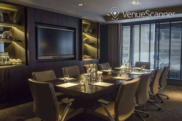 Hire Dakota Deluxe Glasgow Boardroom