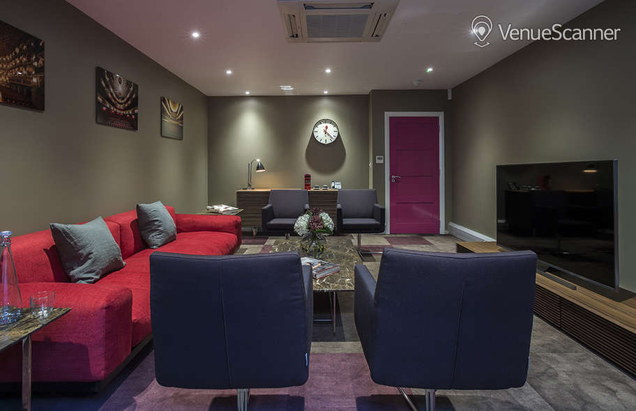 Hire St. Pancras Meeting Rooms Tv Room