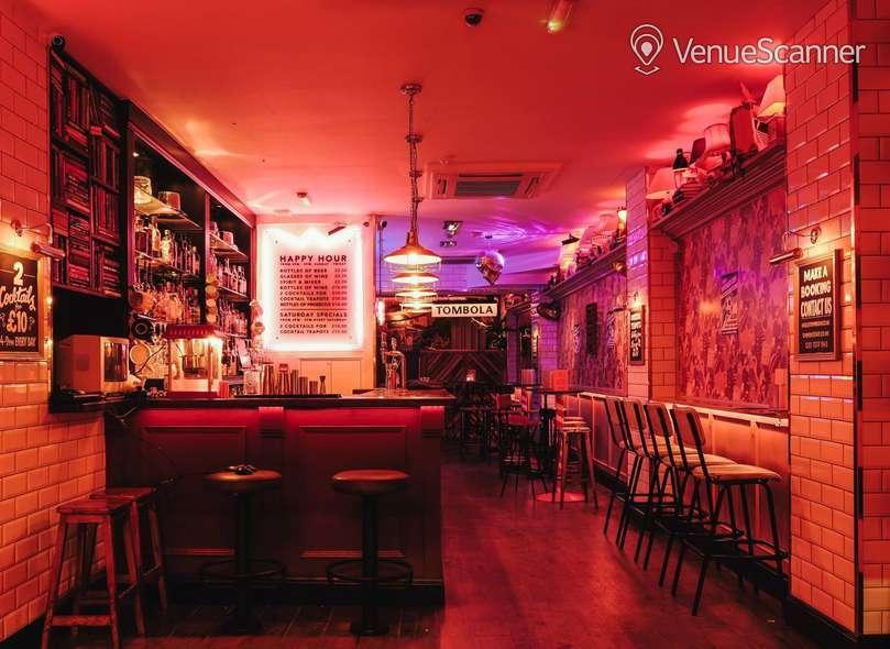 Hire Simmons Bar   Angel Main Bar 2