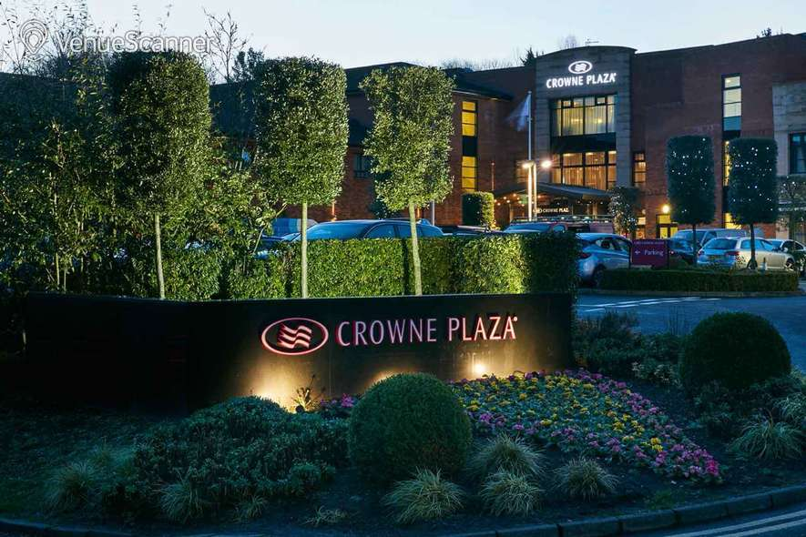 Hire Crowne Plaza Belfast Executive Lounge 3