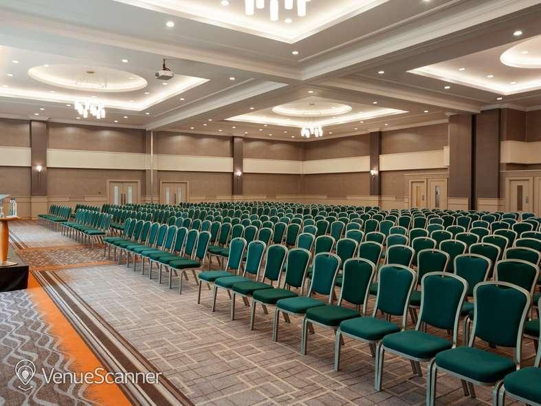 Hire Crowne Plaza Belfast Grand 3