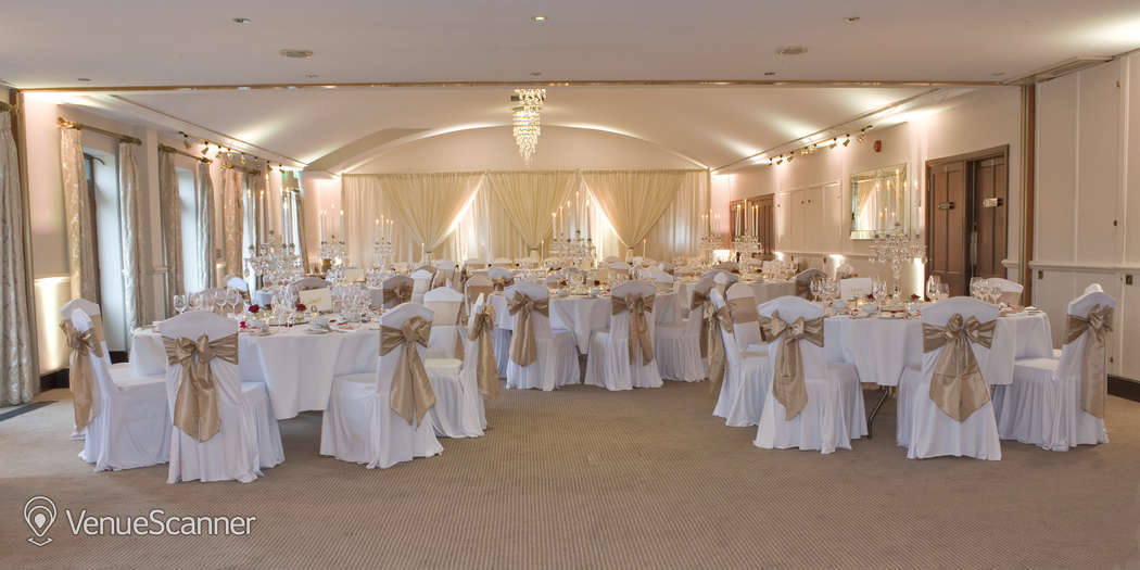 Hire Silvermere Inn on the Lake Lake Suite 3