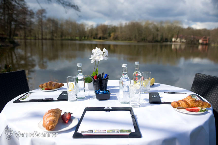 Hire Silvermere Inn on the Lake Lake Suite 7