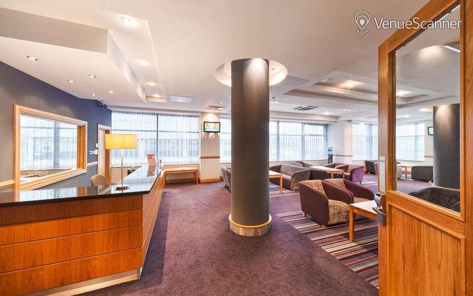 Hire Jurys Inn Glasgow Room 110