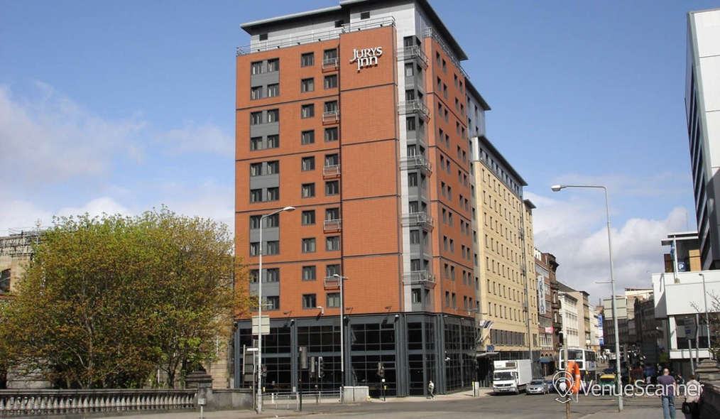 Hire Jurys Inn Glasgow Room 105 1