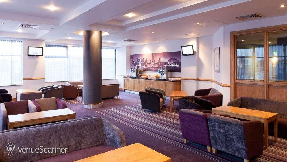 Hire Jurys Inn Glasgow Room 108