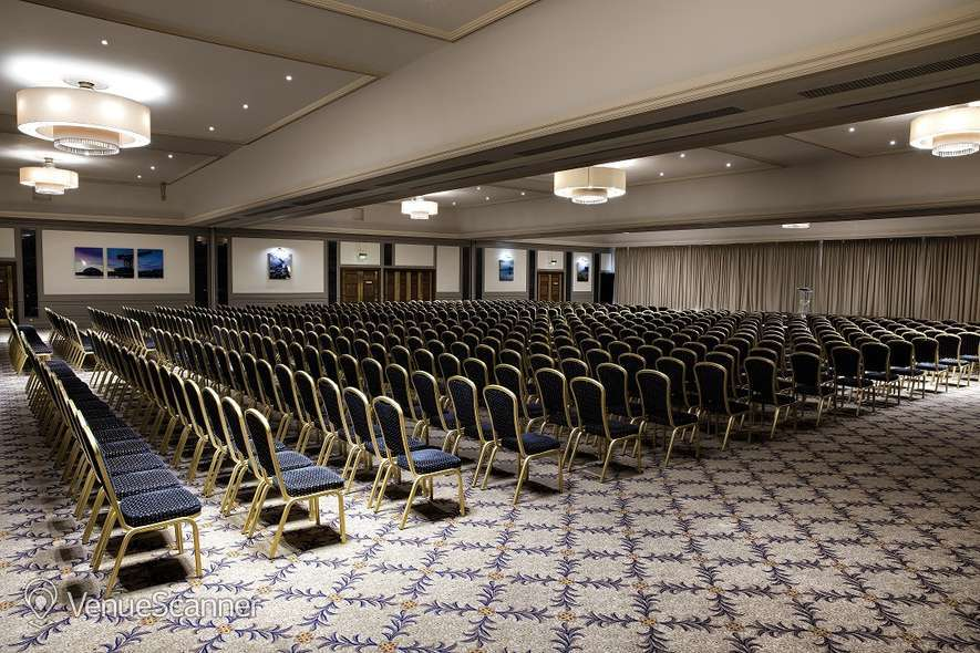 Hire Doubletree By Hilton Glasgow Central 4