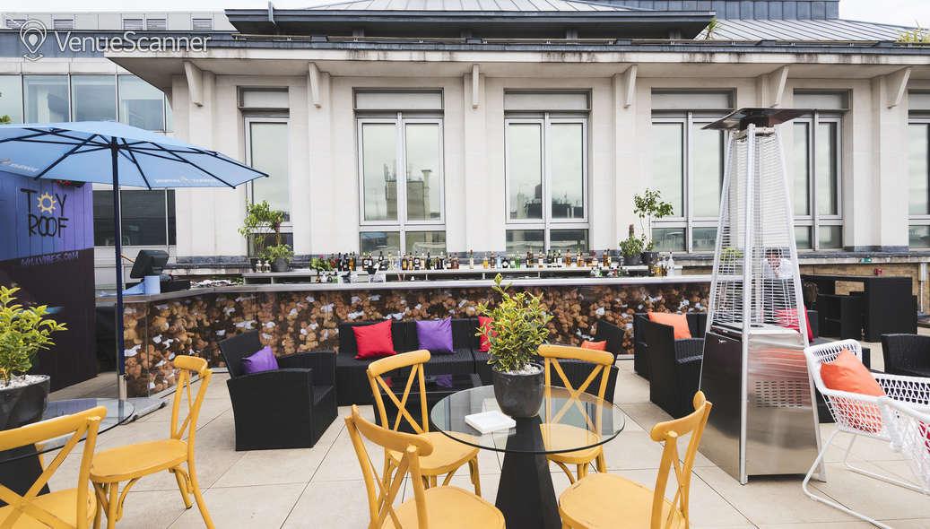 Hire Courthouse Hotel Soho Soho Sky Terrace 4