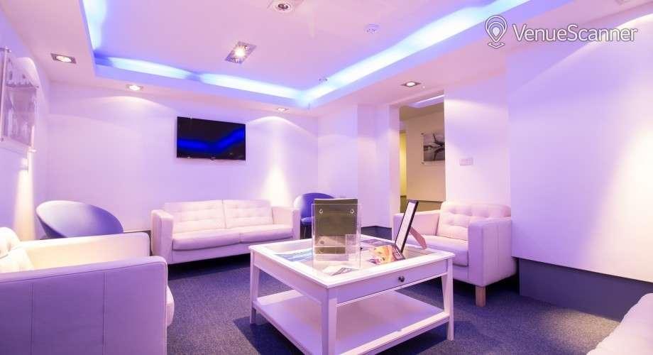 Hire No.4 Hamilton Place - Toulouse Room & Business Suite | VenueScanner
