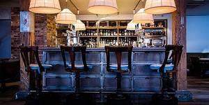 Village East, Lounge Bar