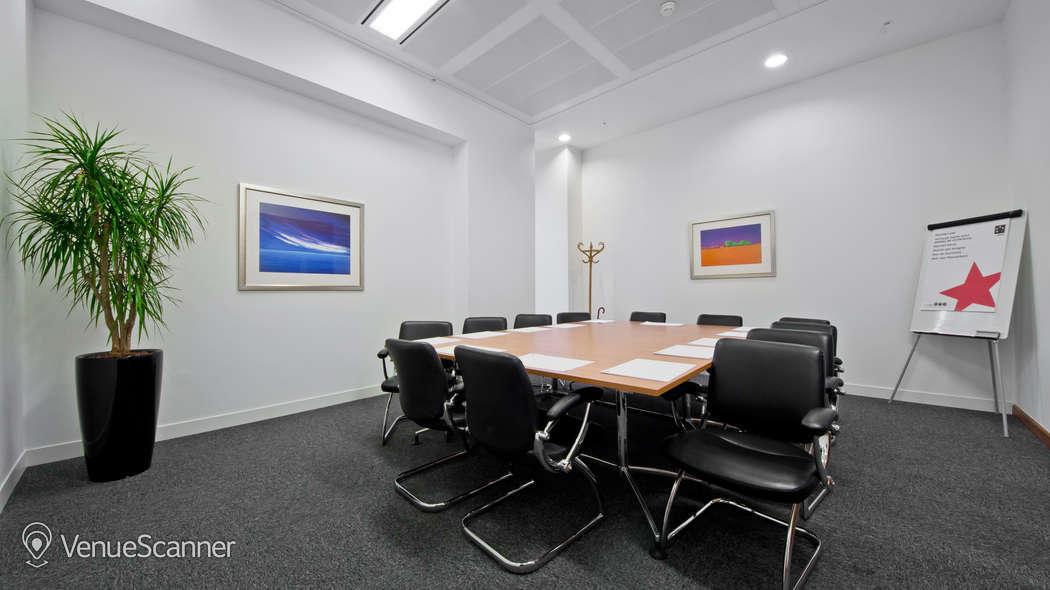 Hire I2 Office London Aldersgate Hampton 1
