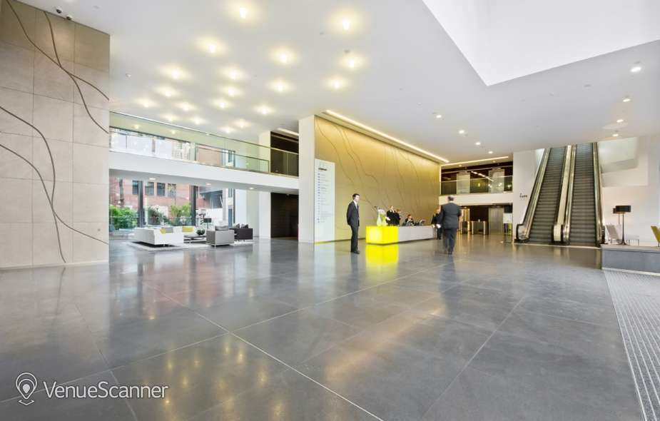 Hire I2 Office London Aldersgate Hampton 9