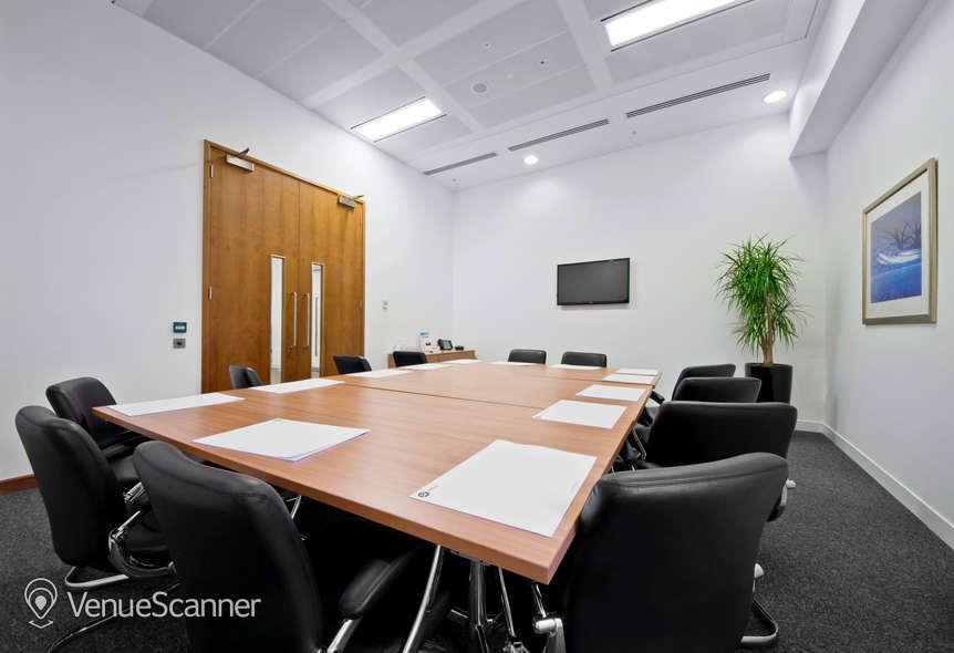 Hire I2 Office London Aldersgate Hampton