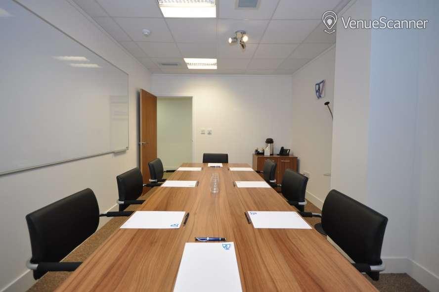 Hire Bizquarter Executive Room 1 4