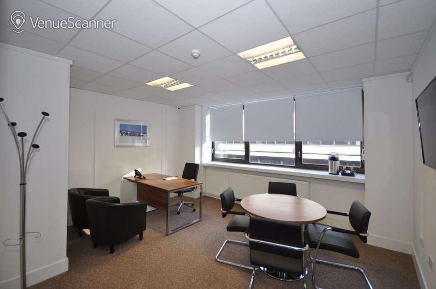 Hire Bizquarter Executive Room 1