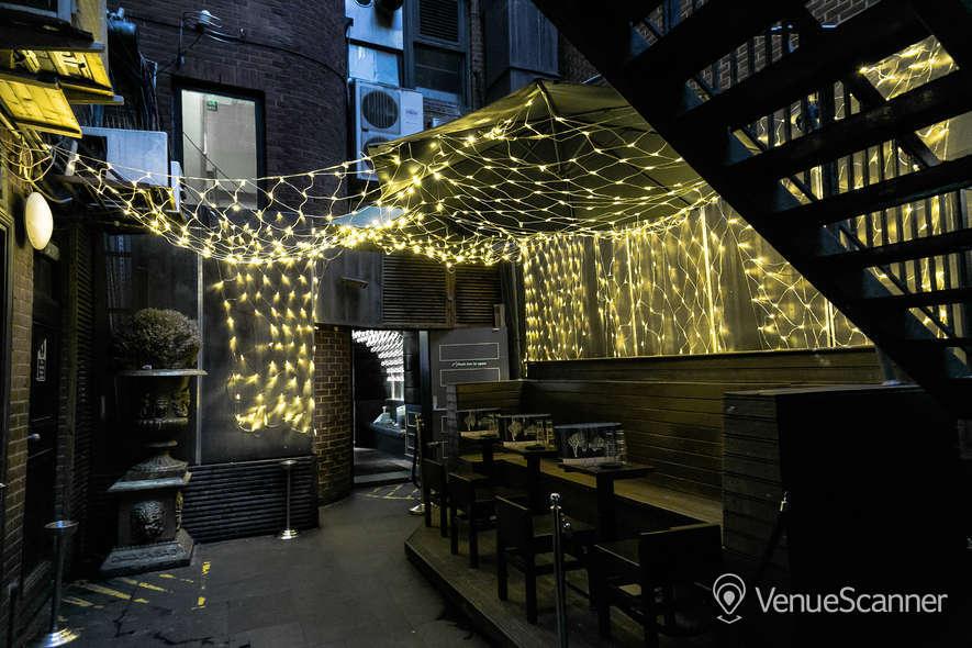 Hire Maddox Club & Pucci Mayfair The Courtyard 5