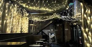 Maddox Club & Pucci Mayfair, The Courtyard And Bar