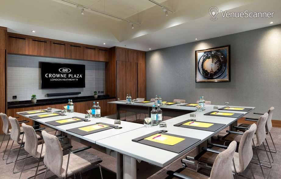 Hire Crowne Plaza Heathrow Terminal 4 Meeting Room 1
